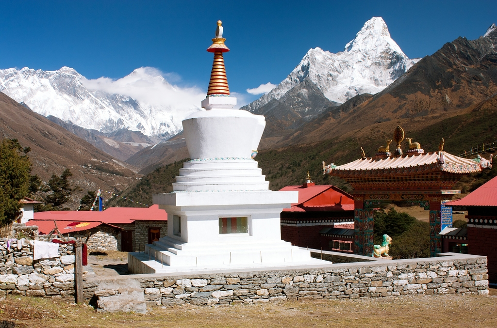 How i can trek to everest base camp