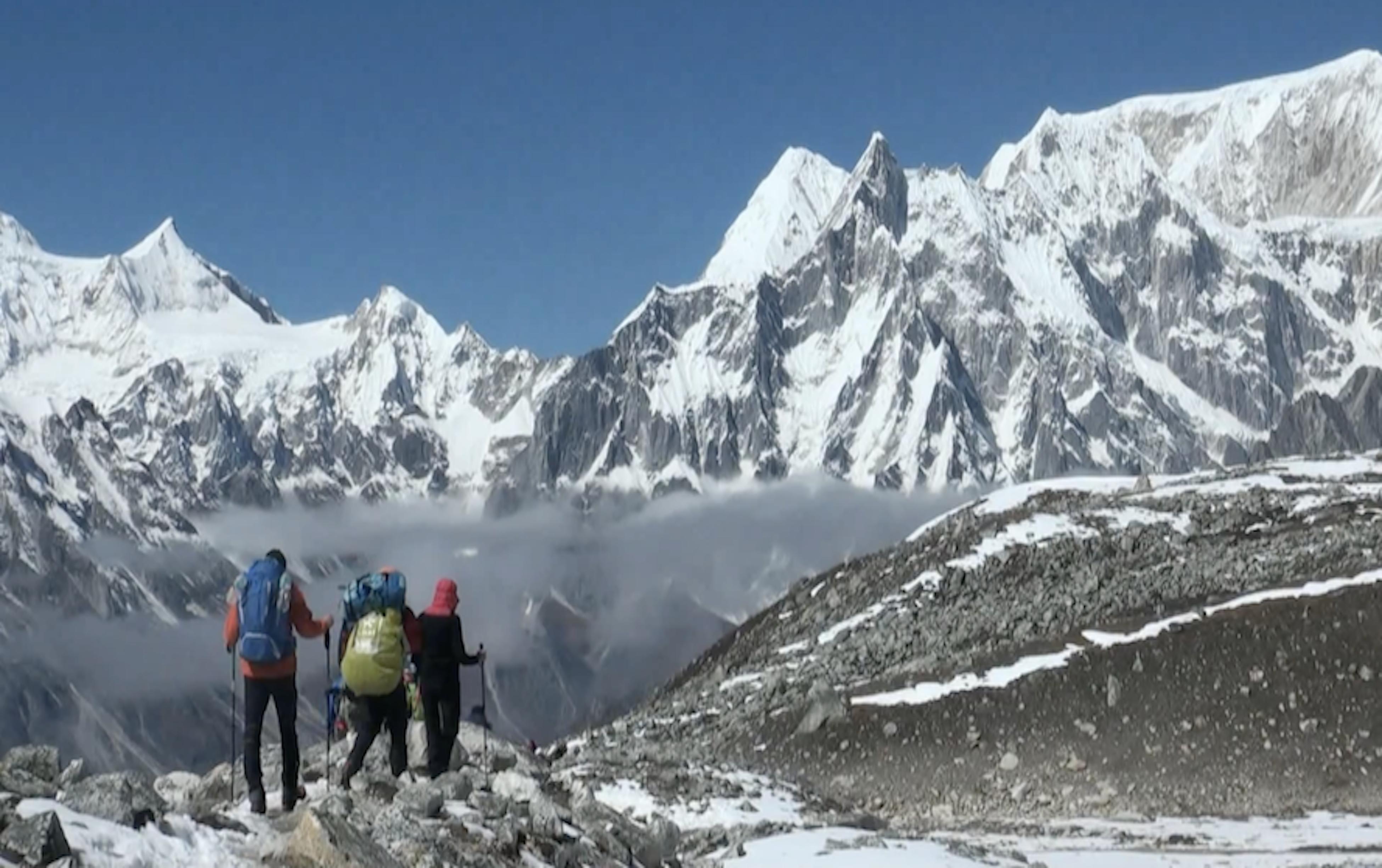 Trekking in Top 4 Base camp of Nepal Himalaya