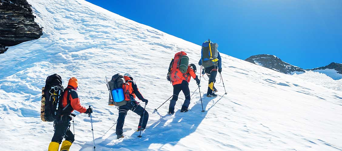 how long does it takes to climb mount everest
