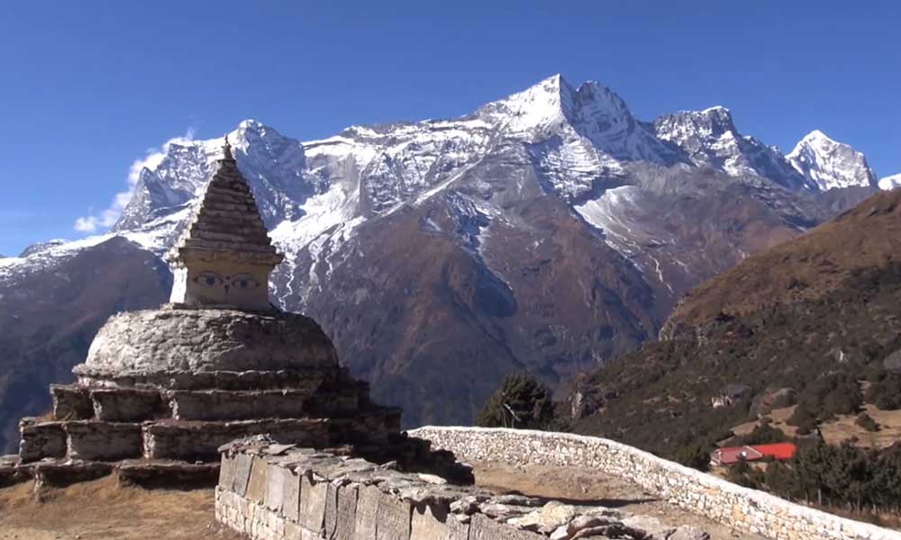 Best time for trekking to Everest Base Camp